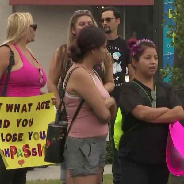 Activists meet for the Animal Rights March in the Fairfax district on Aug. 25, 2018. (Credit: KTLA)