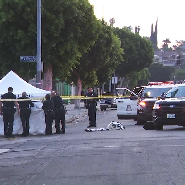 Police investigate a deadly shooting in El Sereno on Aug. 1, 2018. (Credit: KTLA)