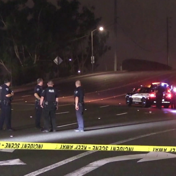 Authorities investigate a fatal hit and run crash in Fountain Valley on Aug. 27, 2018. (Credit: OC Hawk)