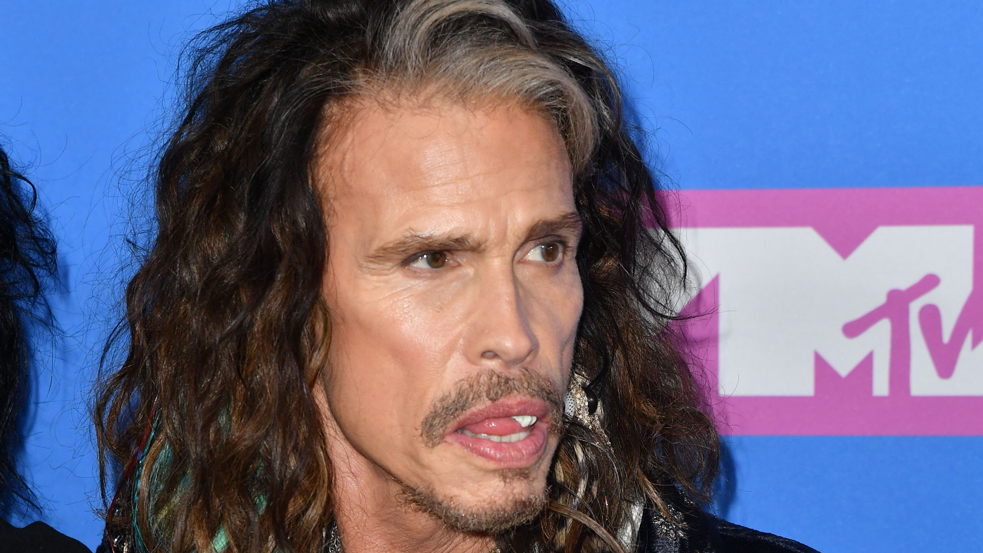 Steven Tyler attends the 2018 MTV Video Music Awards at Radio City Music Hall on Aug. 20, 2018 in New York City. (Credit: ANGELA WEISS/AFP/Getty Images)