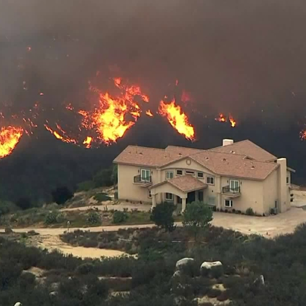 The Holy Fire rages in the Cleveland National Forest, expanding toward homes in the Lake Elsinore area on Aug. 9, 2018. (Credit: KTLA)