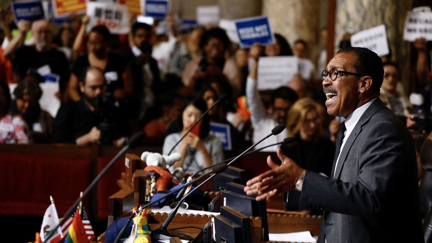 Los Angeles City Council President Herb Wesson gives a speech about the need for temporary homeless housing in June 2018, ahead of an agreement with community representatives to establish a shelter in Koreatown. (Credit: Francine Orr / Los Angeles TImes)