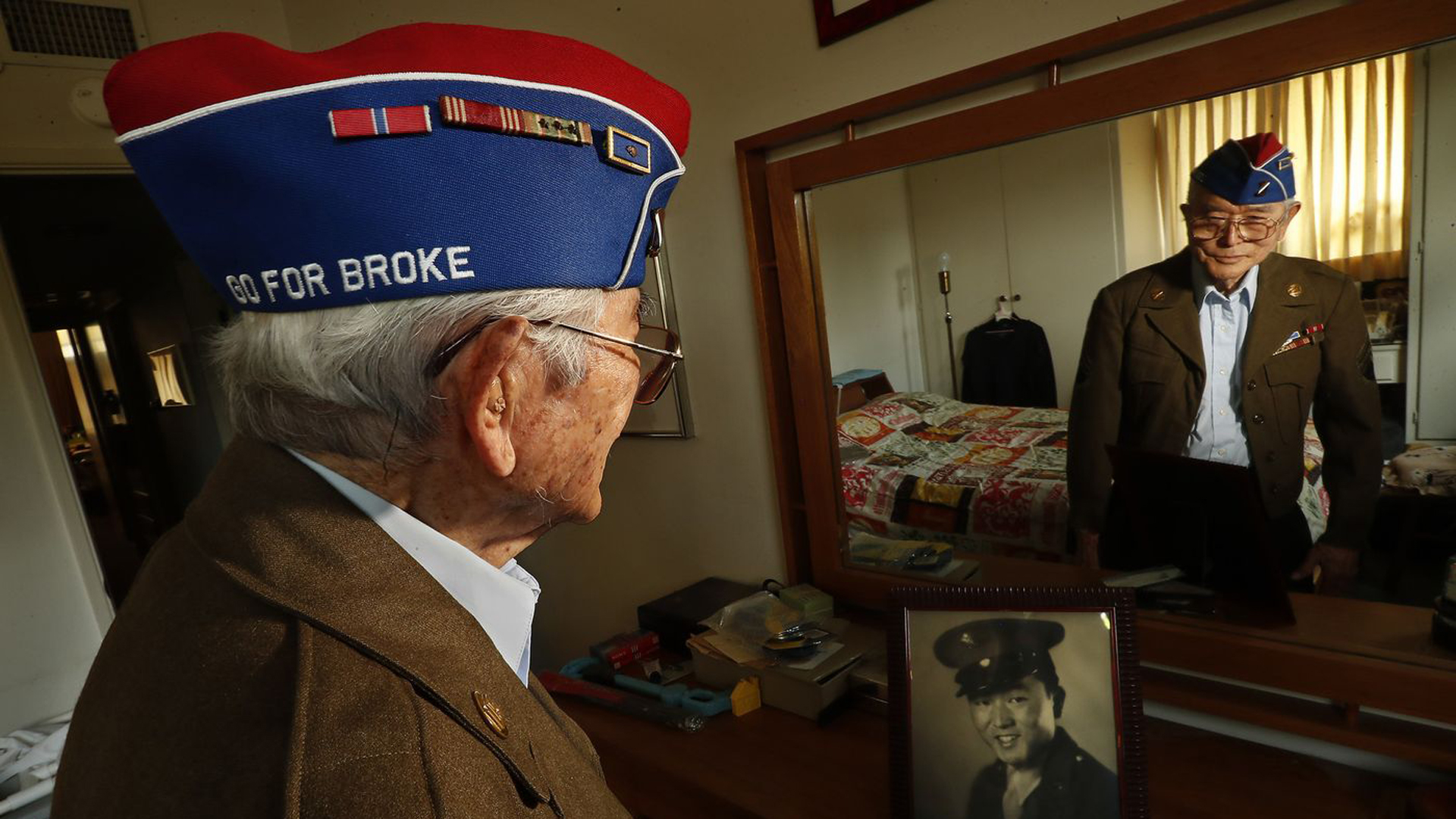 Yoshio Nakamura, 93, survived Nazi artillery in Italy, upon returning from WW II he found his house was gone. (Credit: Mel Melcon / Los Angeles Times)