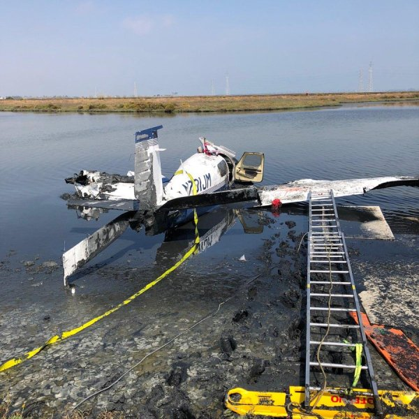 The scene of a small plane crash that left one person dead and another two others injured on Sept. 4, 2018, is seen here. (Credit: Palo Alto Fire Department)