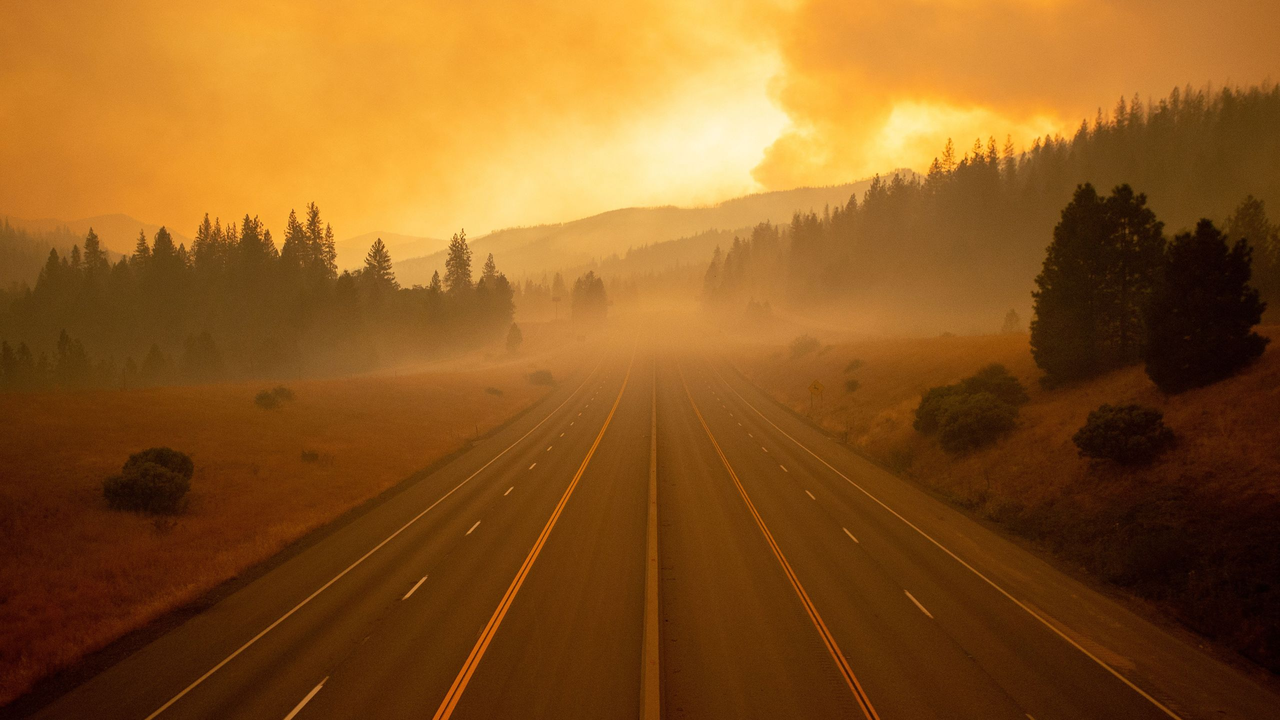 Interstate 5, which has been closed due to the Delta Fire, is seen completely empty in Lamoine in the Shasta Trinity National Forest, on September 6, 2018. (Credit: JOSH EDELSON/AFP/Getty Images)