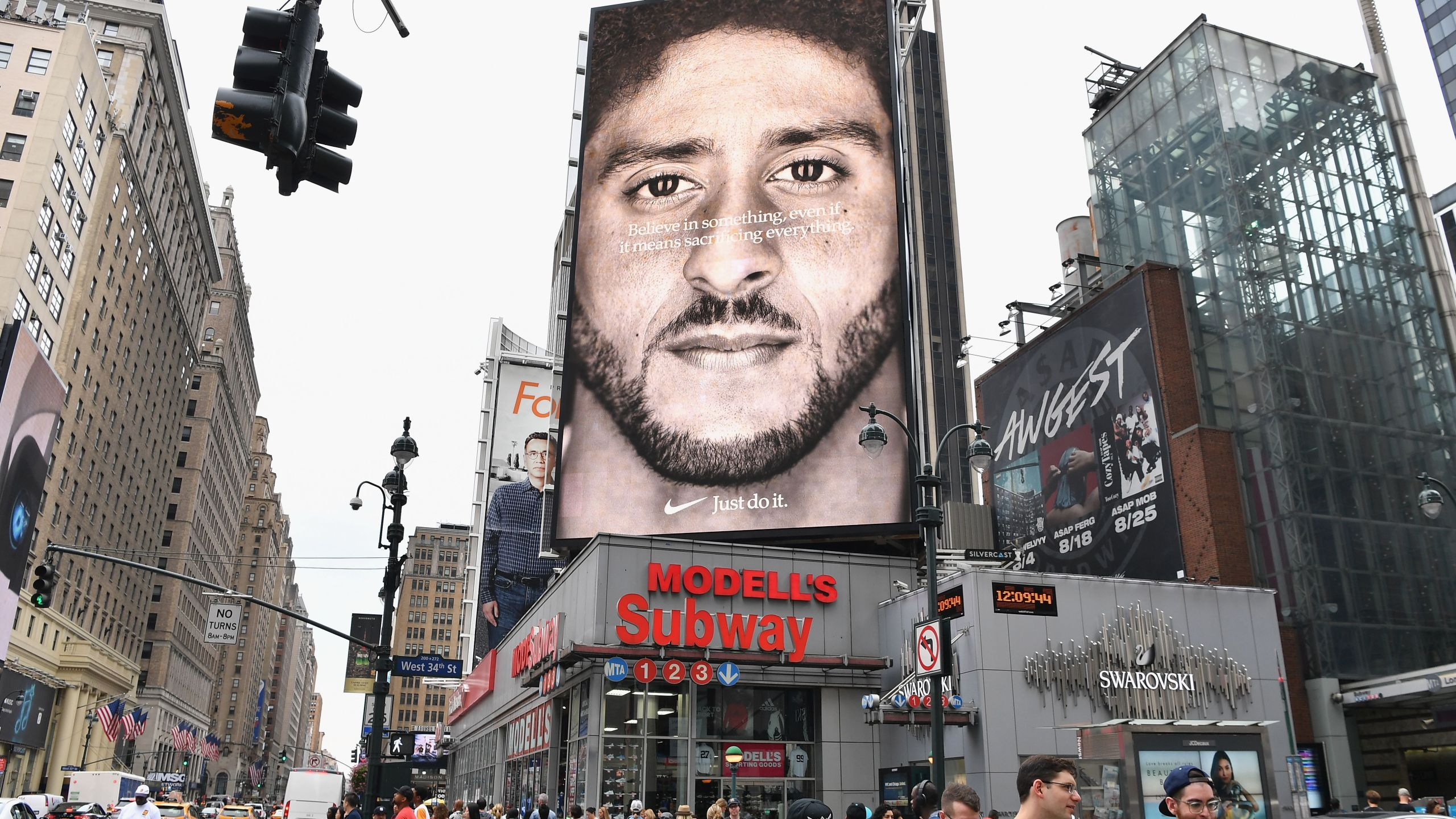 A Nike ad featuring Colin Kaepernick is on display on Sept. 8, 2018 in New York City. (Credit: ANGELA WEISS/AFP/Getty Images)