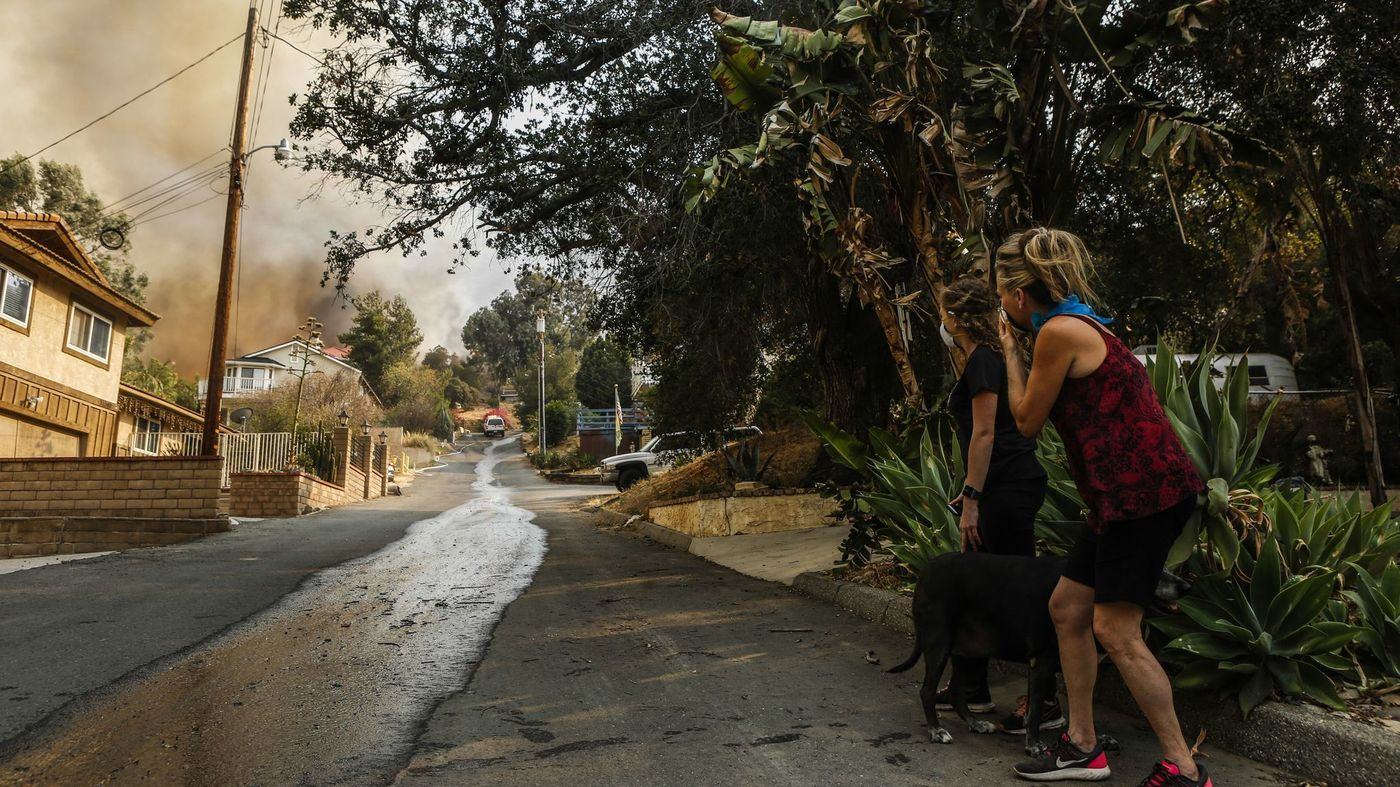 Residents watch the Holy Fire in this undated image. (Credit: Maria Alejandra Cardona / Los Angeles Times)