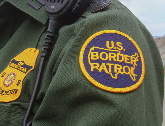 A file photo shows a Border Patrol agent at the U.S.-Mexico border in San Diego on May 17, 2016. (Credit: Bill Wechter / AFP / Getty Images)