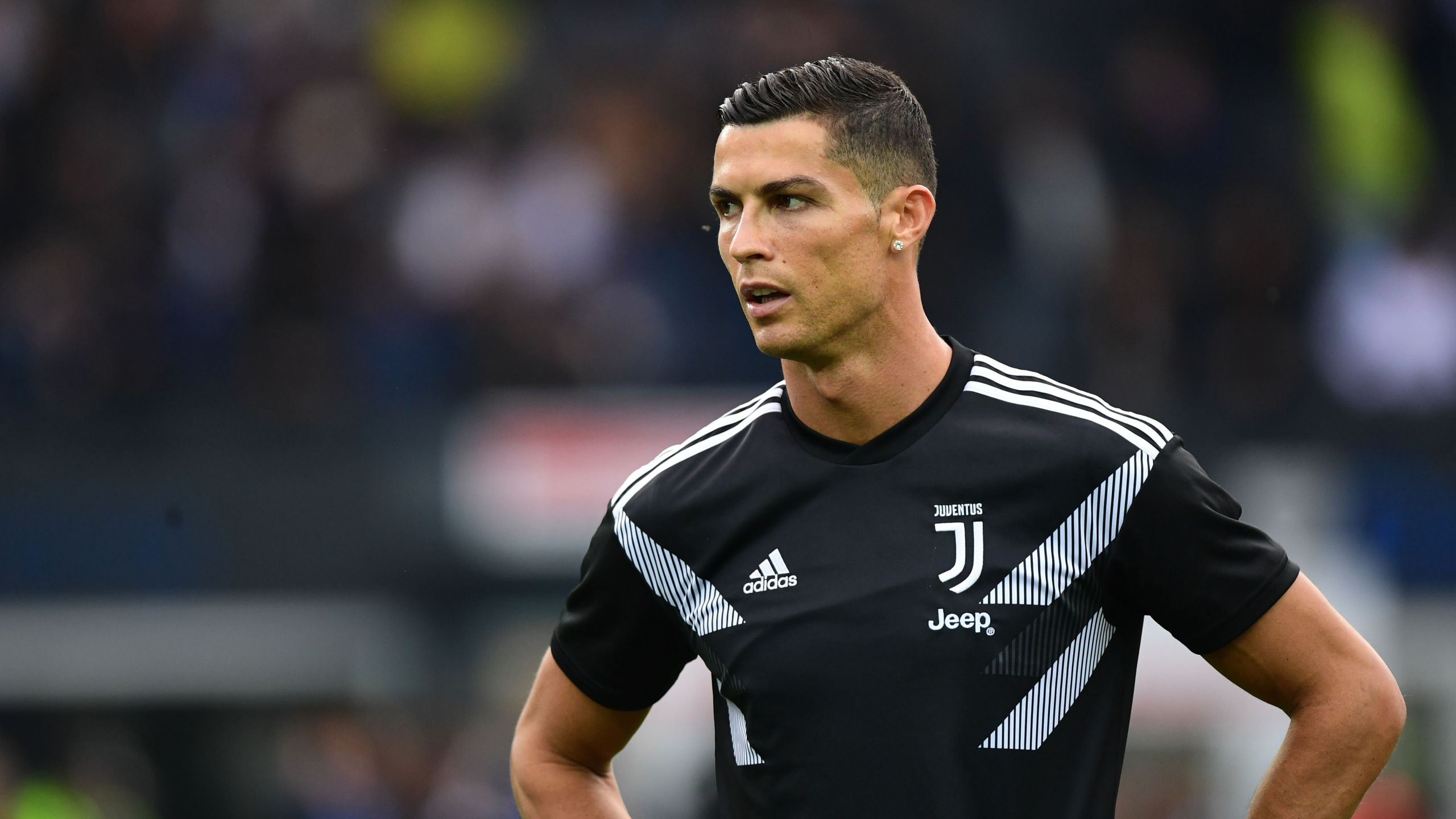 Juventus' Portuguese forward Cristiano Ronaldo trains prior to the Italian Serie A football match Udi-nese Calcio vs Juventus FC at the Dacia Arena stadium in Udine on Oct. 6, 2018. (Credit: Miguel Medina / AFP / Getty Images)