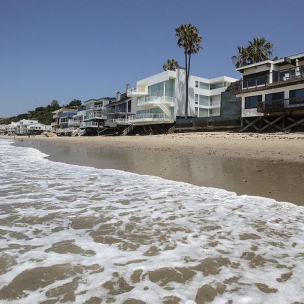 An inherited home once owned by comedian Dom DeLuise in Malibu has received a large property tax break. (Credit: Brian van der Brug / Los Angeles Times)
