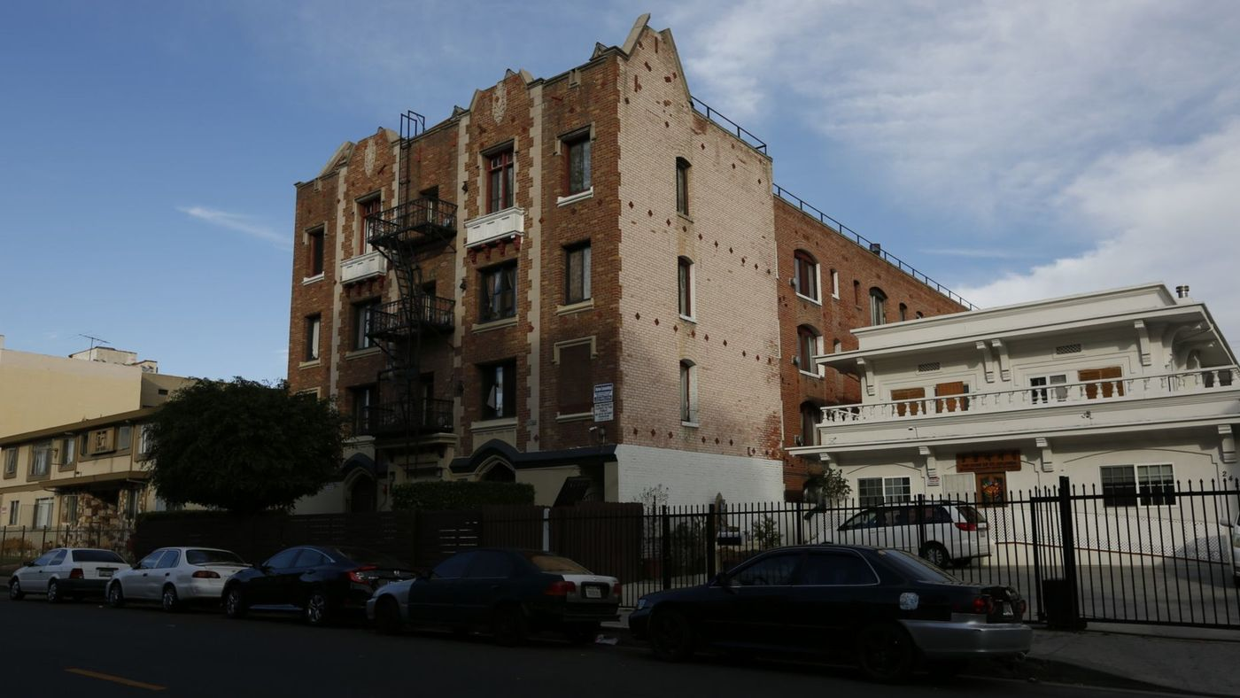 One of the five Koreatown apartment buildings cited in a 2016 lawsuit filed on behalf of 15 tenants is shown in an undated photo. (Credit: Gary Coronado / Los Angeles Times)