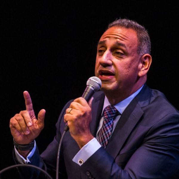Democratic candidate for the 39th Congressional District, Gil Cisneros, speaks at a candidate forum in January 2018. (Credit: Kent Nishimura / Los Angeles Times)