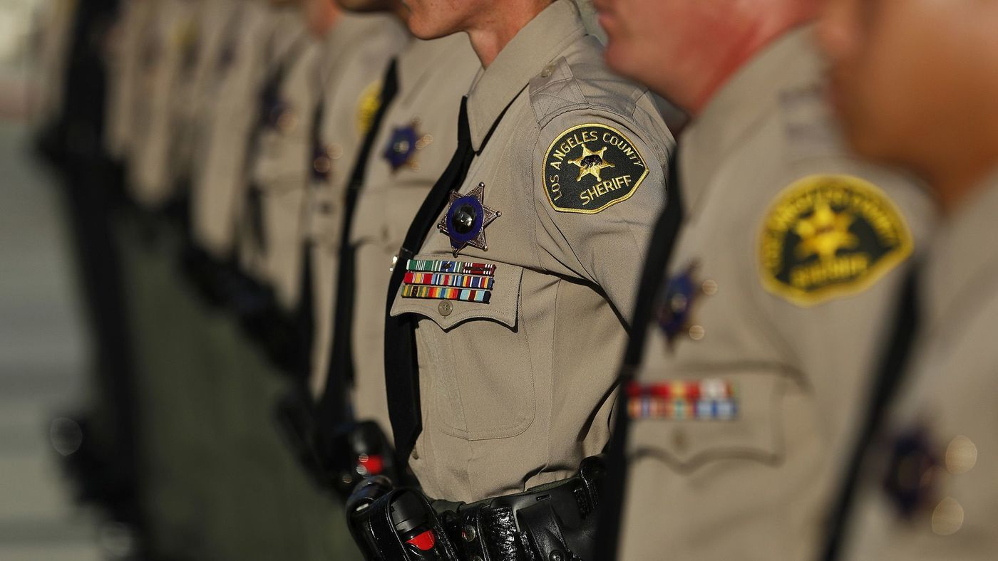 L.A. County sheriff's deputies are seen in an undated file photo. (Mel Melcon / Los Angeles Times)