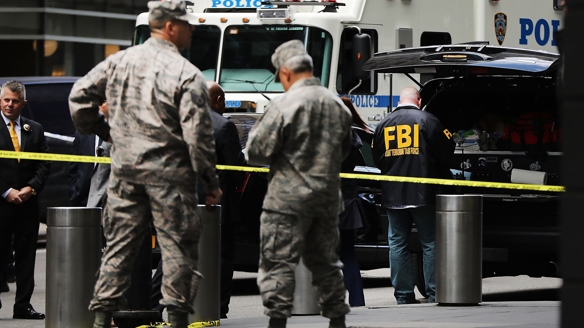 Police, FBI and other emergency workers gather outside the Time Warner Center after an explosive device was found there on Oct. 24, 2018 in New York City. (Credit: Spencer Platt/Getty Images)