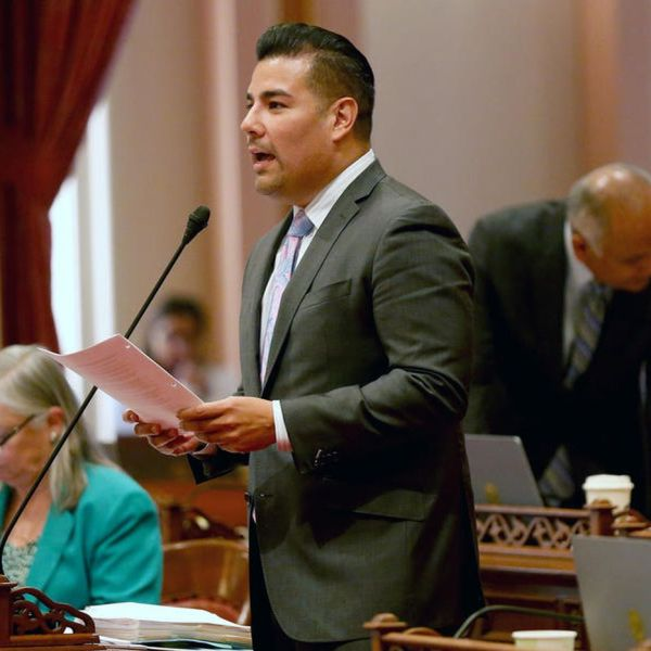 State Sen. Ricardo Lara presents a bill on the Senate floor in this undated photo. (Credit: Gary Coronado / Los Angeles Times)