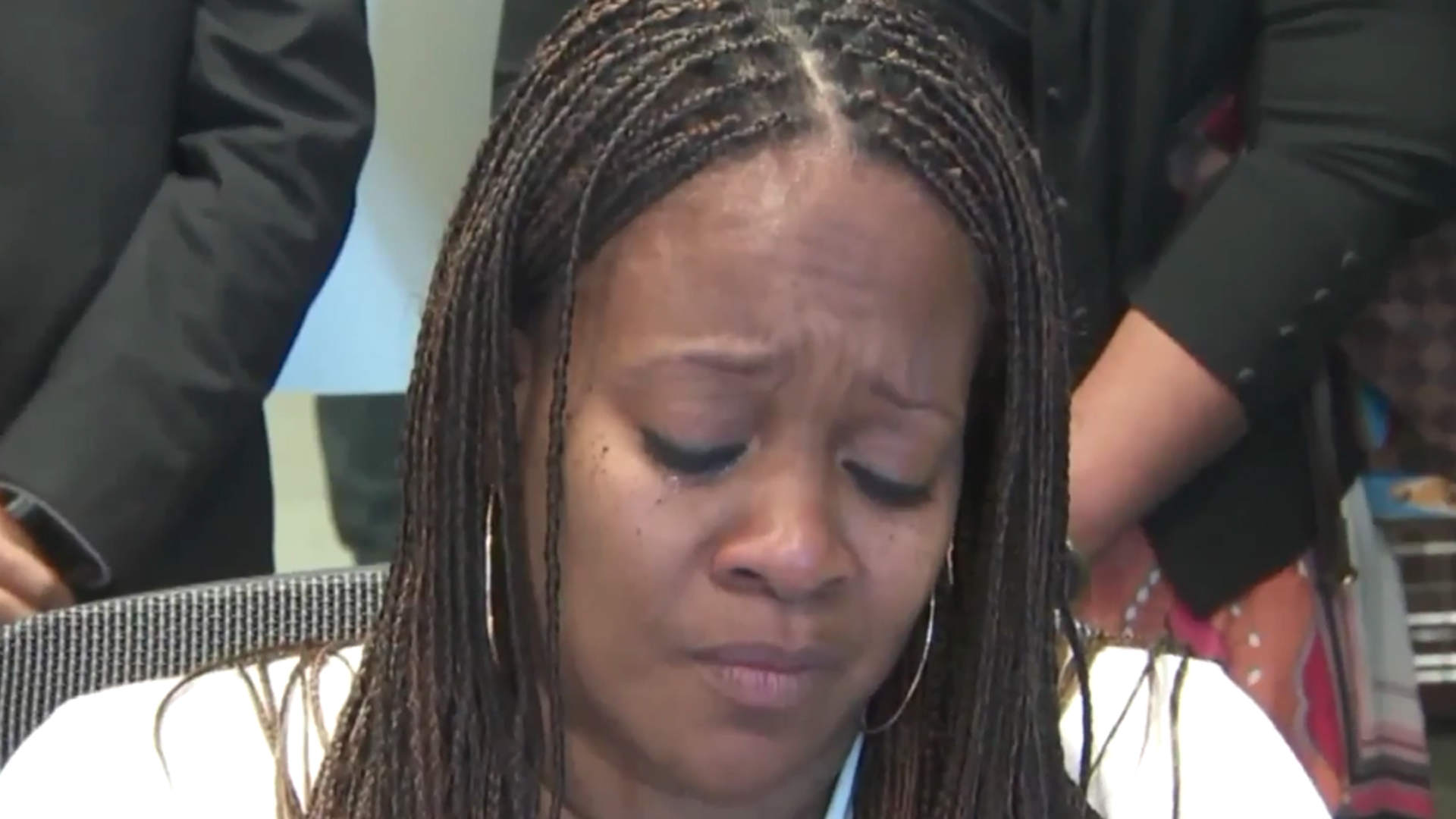 Chery Townsend appears in a news conference on Oct. 1, 2018. (Credit: KTLA)
