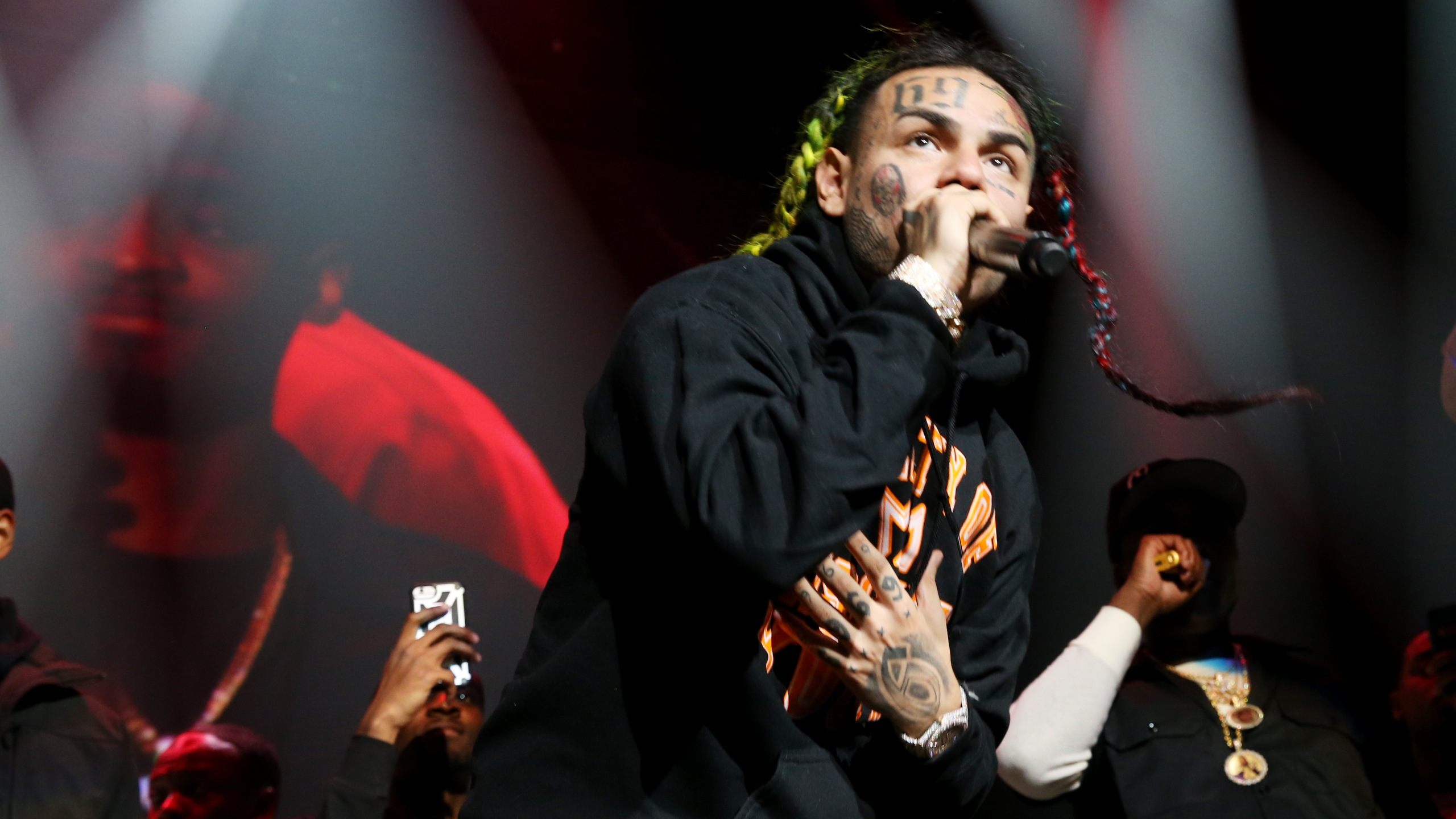 Rapper 6ix9ine performs at Prudential Center on Oct. 28, 2018, in New Jersey. (Credit: Bennett Raglin/Getty Images for Power 105.1)