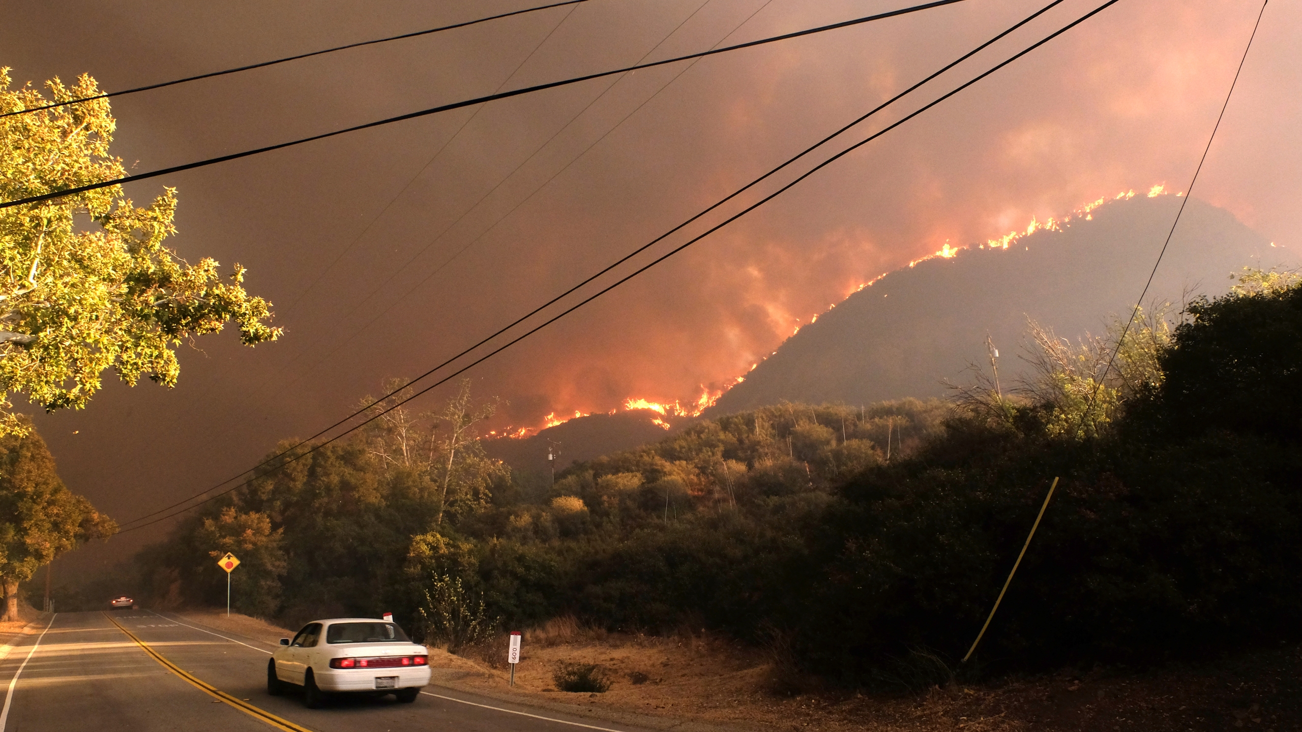 The Woolsey Fire burns along the ridgeline off of Cornell Road near Paramount Ranch on the morning of November 9, 2018 in Agoura Hills, California. (Credit: Matthew Simmons/Getty Images)