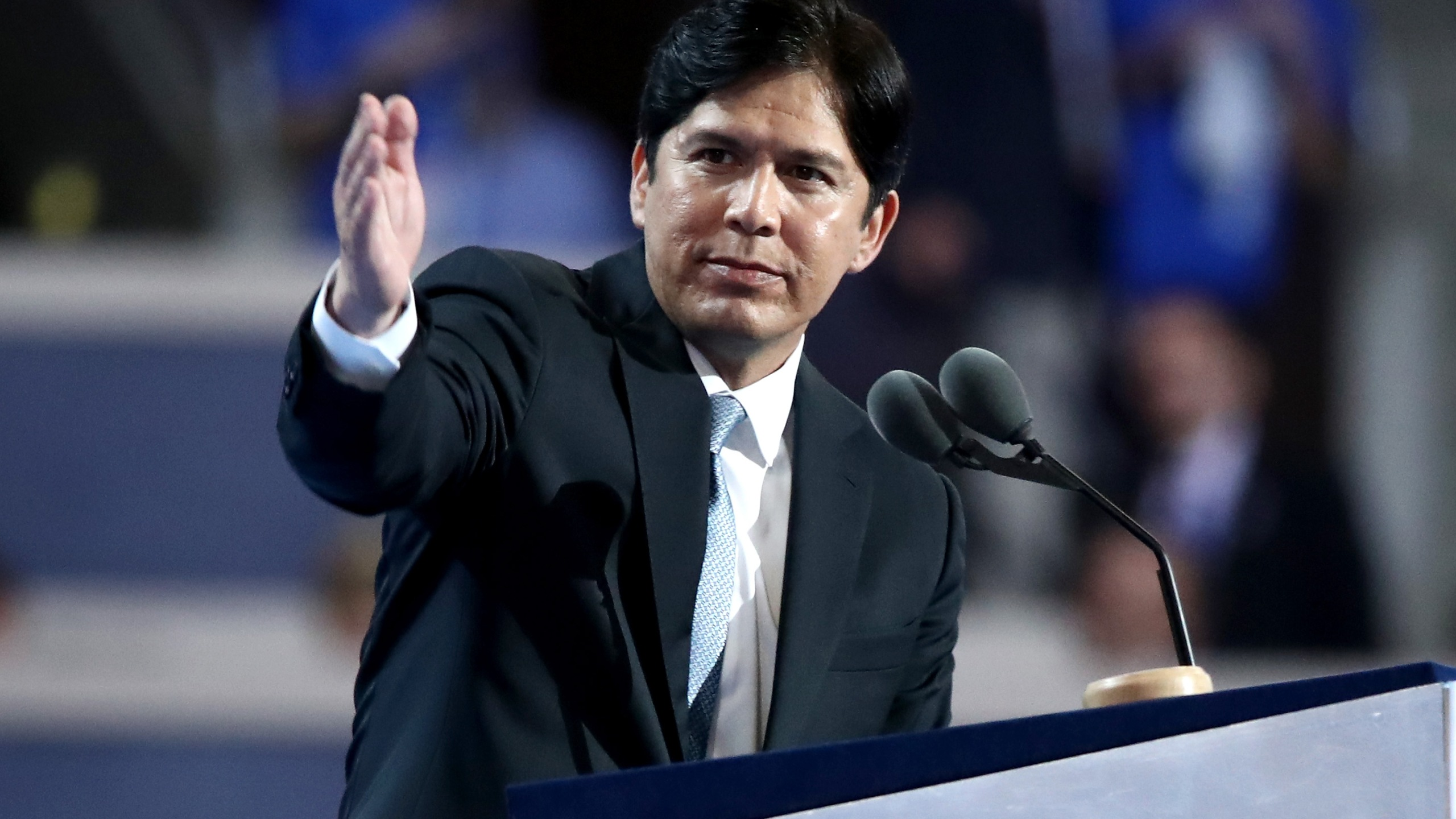 State Senator Kevin de León delivers a speech on the first day of the Democratic National Convention at the Wells Fargo Center in Philadelphia on July 25, 2016. (Credit: Jessica Kourkounis / Getty Images)