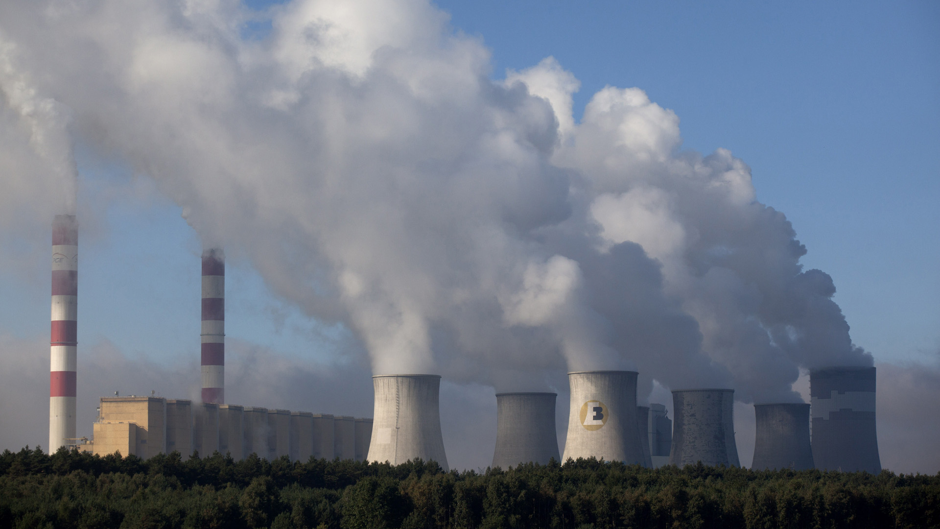 The Belchatow power plant is seen on Sept. 28, 2011 in Belchatow, near Lodz central Poland. (Credit: Darek Redos/AFP/Getty Images)