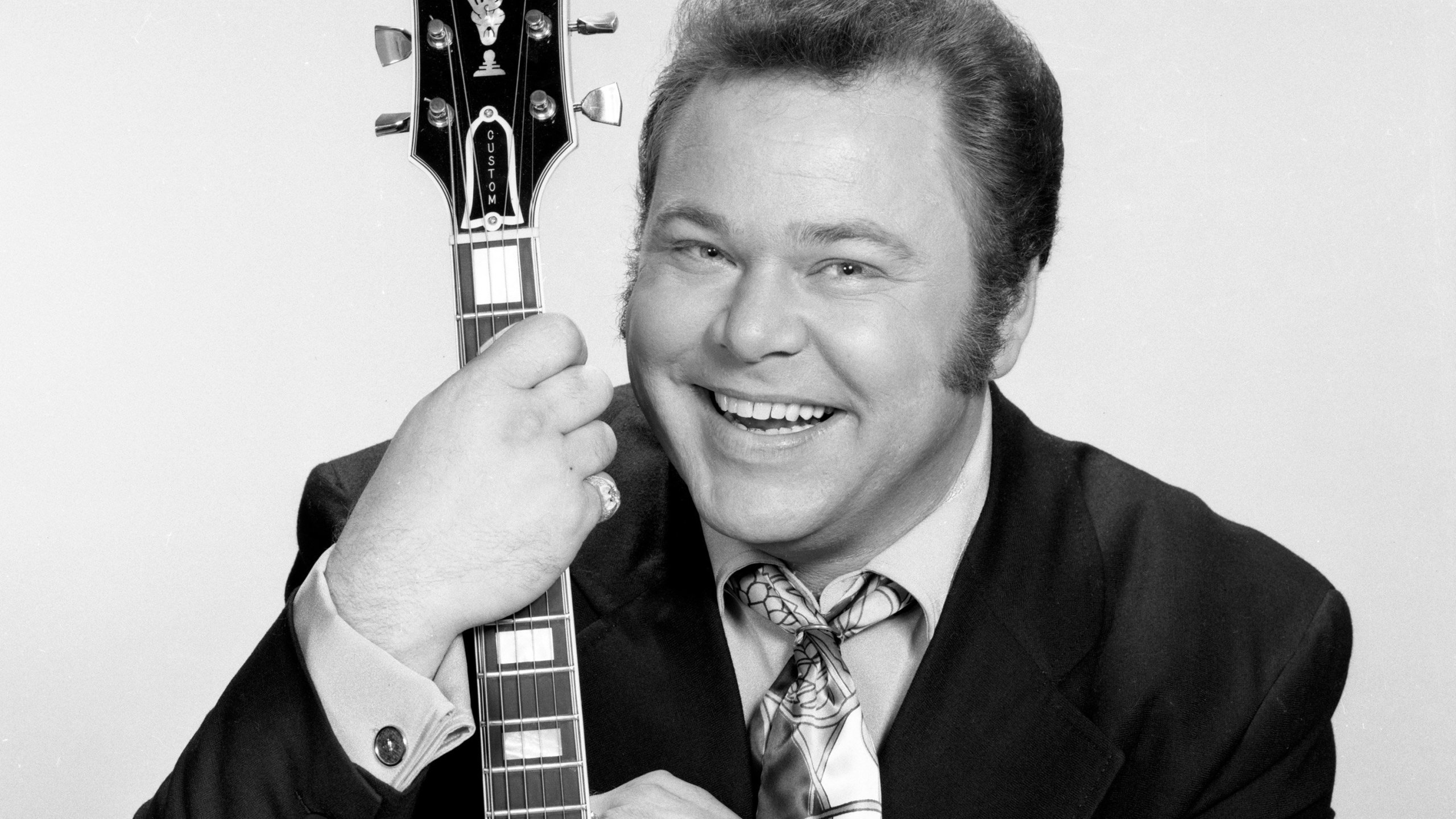 """Roy Clark, a country music star and former host of the long-running TV series """"Hee Haw,"""" died Thursday, his publicist told CNN. (Credit: CBS via Getty Images)"""