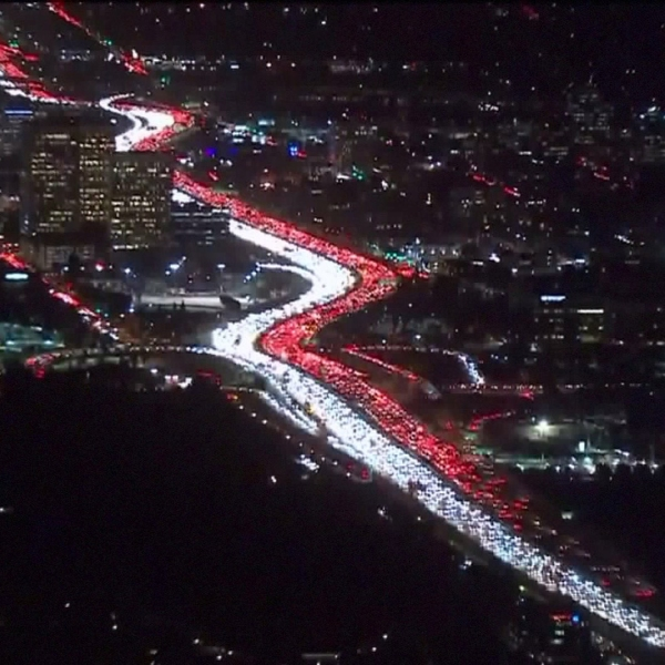 Traffic was backed up for miles on a Los Angeles freeway two days before Thanksgiving 2017. (Credit: KTLA)