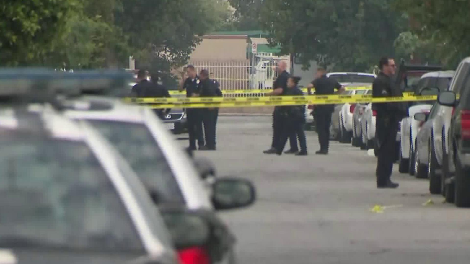 Police investigate the scene of a deadly shooting in Watts on Nov. 18, 2018. (Credit: KTLA)
