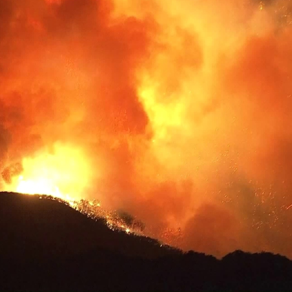 The Woolsey Fire burns in the Calabasas area on Nov. 9, 2018. (Credit: KTLA)