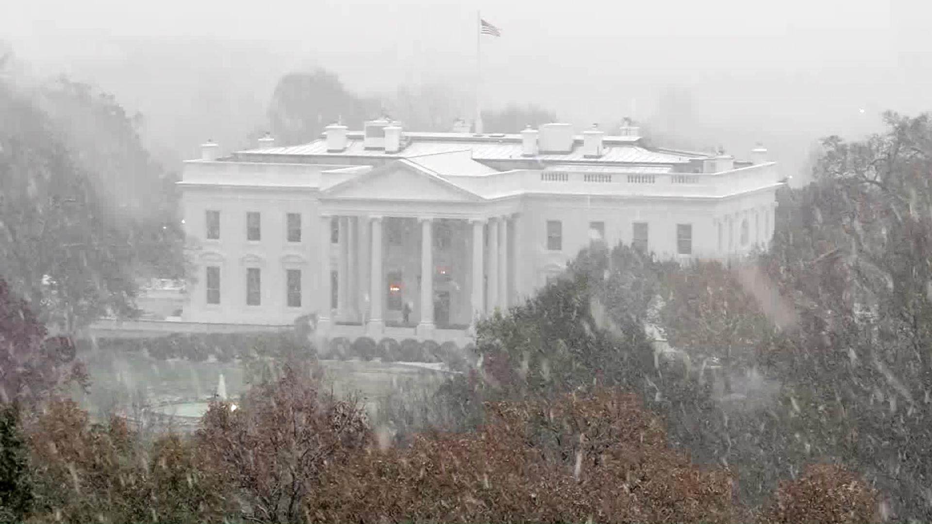 The White House is seen during a fall storm on Nov. 15, 2018. (Credit: KTLA)