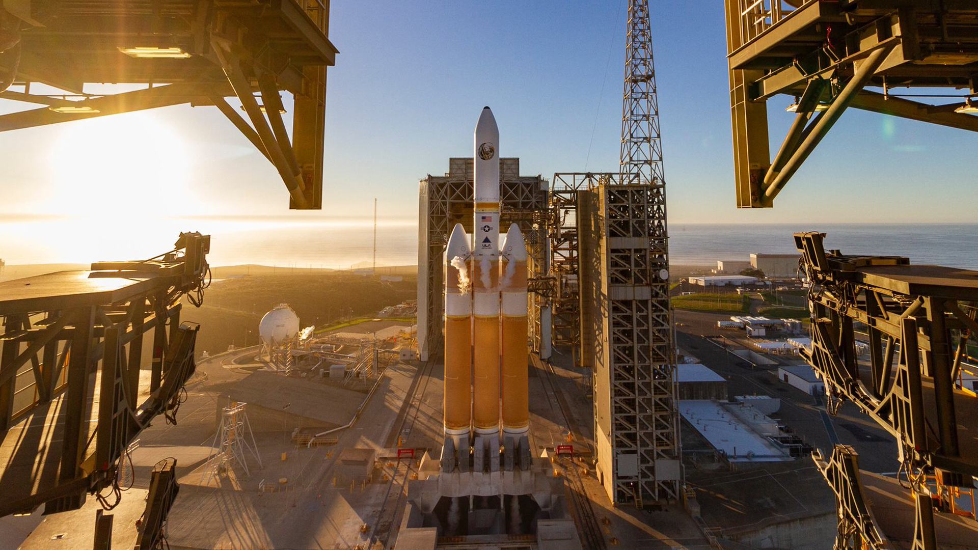 A Delta Heavy IV rocket sits on the launch pad of Vandenberg Air Force Base on Dec. 19, 2018. (Credit: ULA)