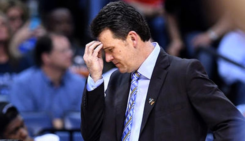 Steve Alford has a coaching record of 124-63 record in five-plus seasons at UCLA. (Credit: Wally Skalij / Los Angeles Times)