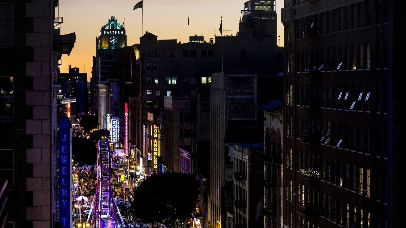 People pack Broadway in downtown Los Angeles for the Night on Broadway event on Jan. 27, 2018. The annual event will not be held in 2019. (Credit: Kent Nishimura / Los Angeles Times)
