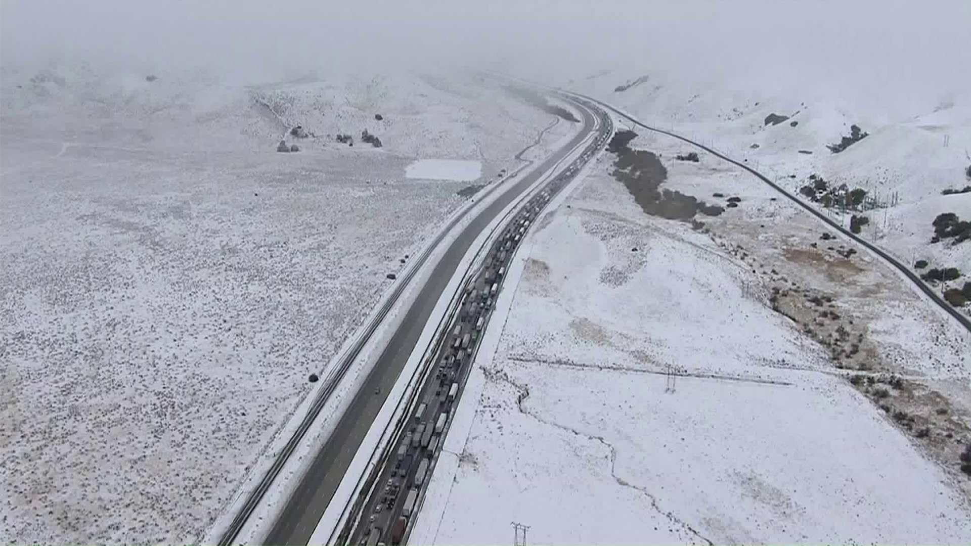 Traffic is backed up as the 5 Freeway is closed in the Grapevine area on Dec. 6. 2018. (Credit: KTLA)