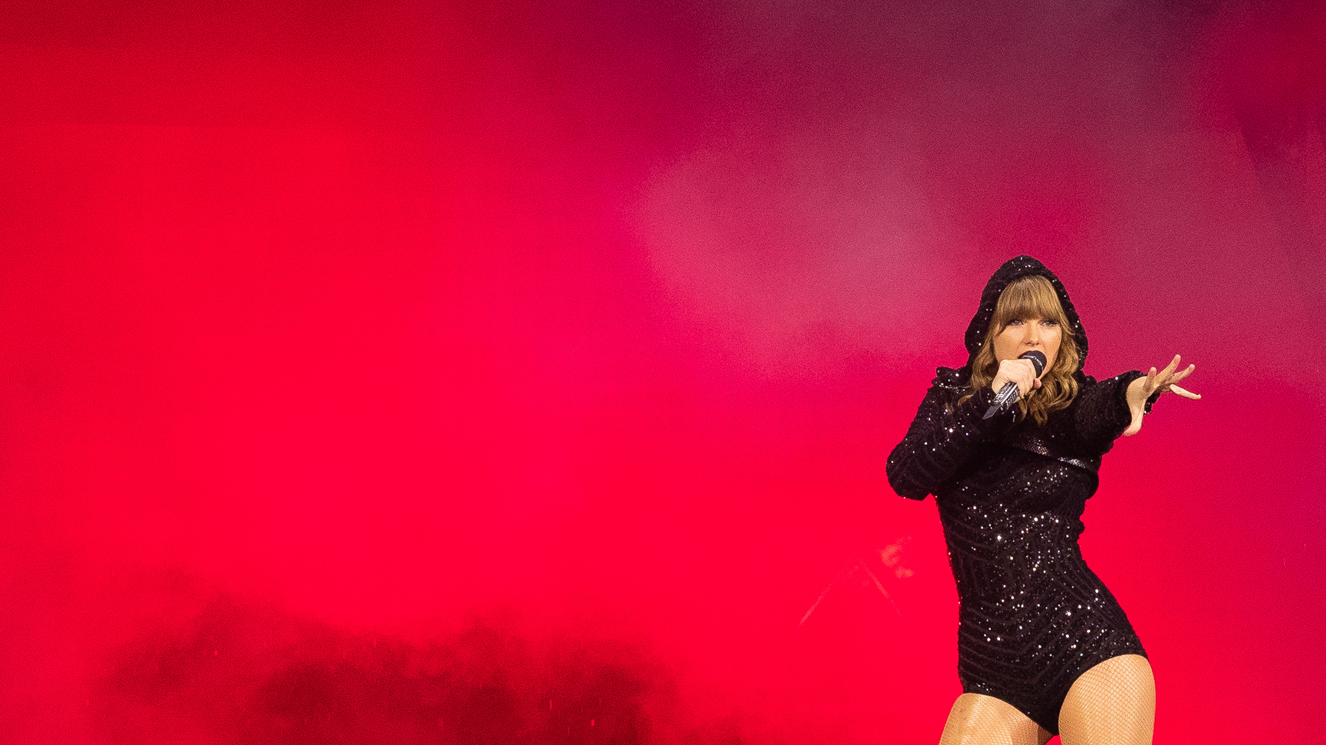 Taylor Swift performs at ANZ Stadium in Sydney, Australia, on Nov. 2, 2018. (Credit: Mark Metcalfe / Getty Images)