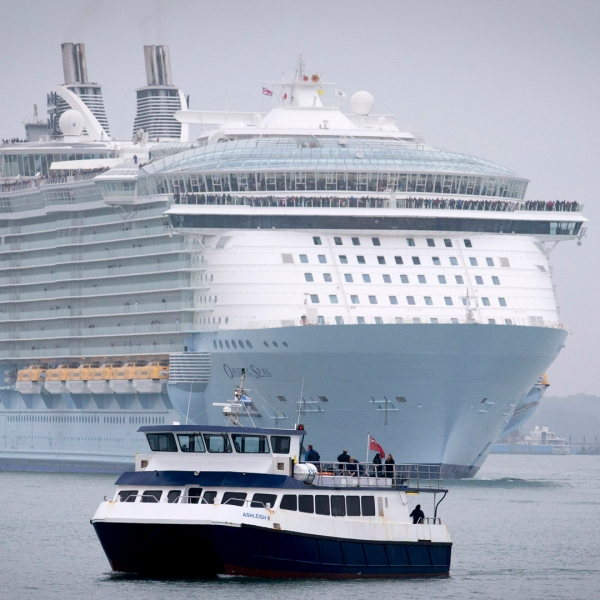 """Royal Caribbean's """"Oasis of the Seas"""" arrives in Southampton, England, on October 15, 2014. (Credit: Matt Cardy/Getty Images)"""