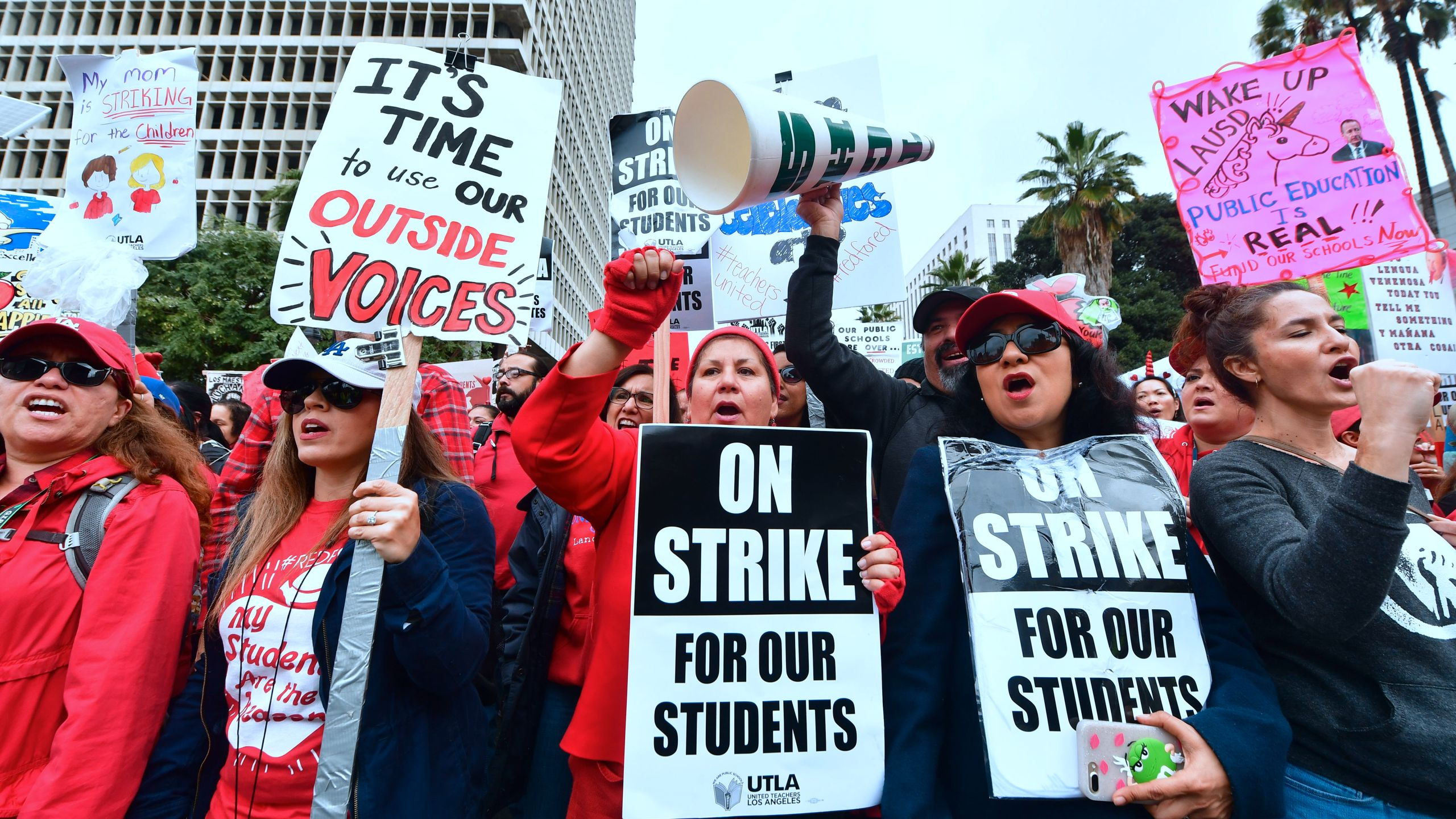 Thousands of teachers from the Los Angeles Unified School District and their supporters rally outside City Hall in Los Angeles on Jan. 18, 2019. (Credit: FREDERIC J. BROWN/AFP/Getty Images)