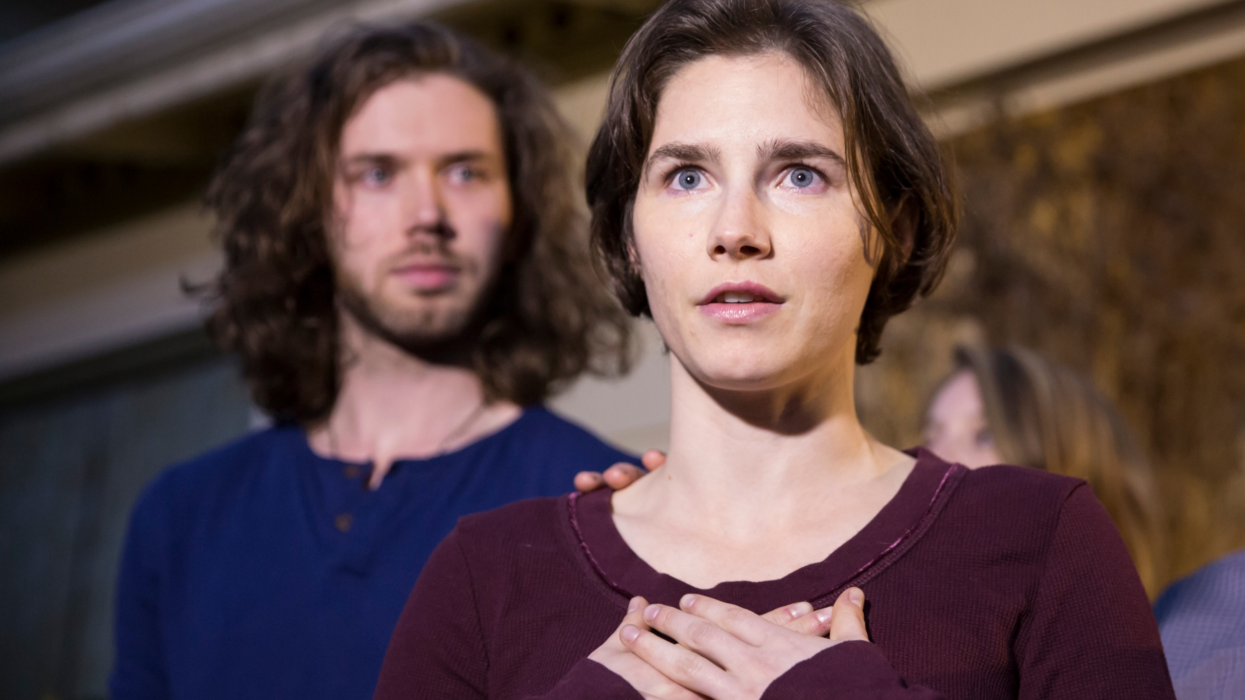 Amanda Knox speaks to the media during a brief press conference in front of her parents' home March 27, 2015 in Seattle, Washington. (Credit: Stephen Brashear/Getty Images)