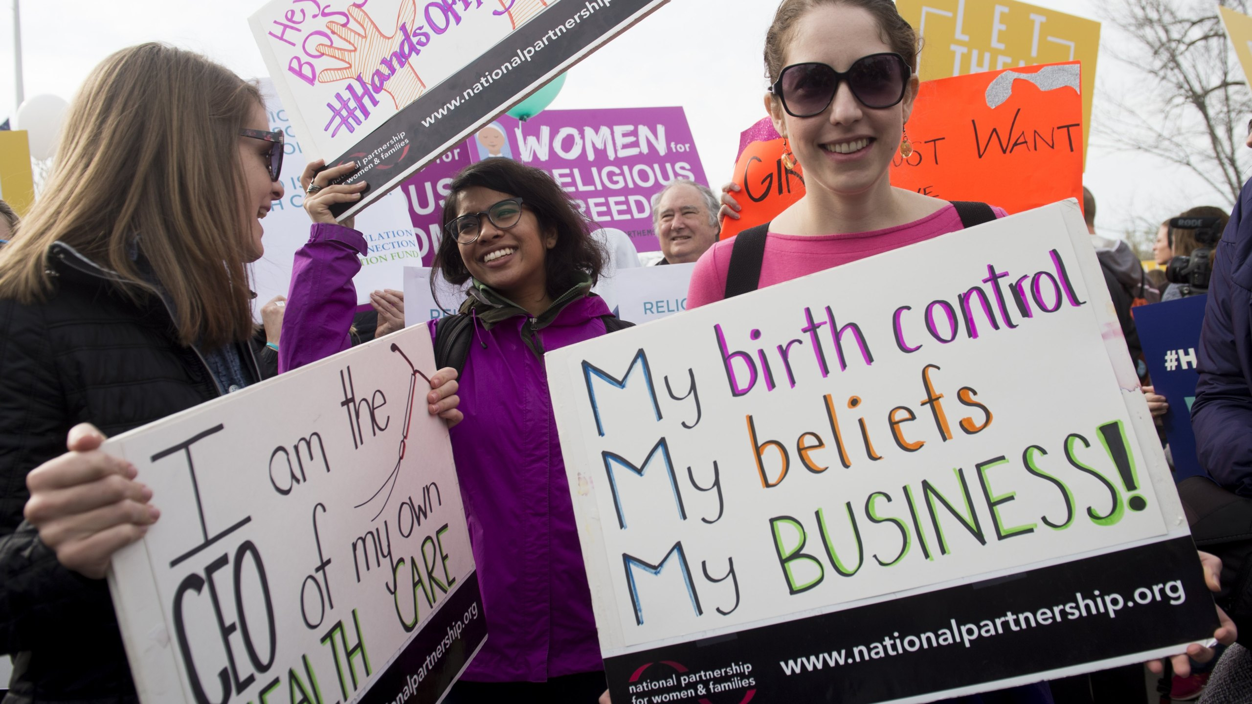 Women's health advocates rally outside the Supreme Court in Washington, D.C. on March 23, 2016. (Credit: SAUL LOEB/AFP/Getty Images)