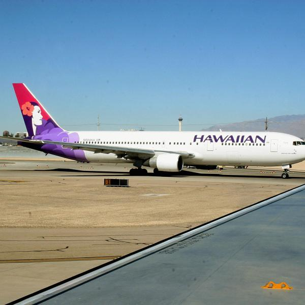 A Hawaiian Airlines plane is seen in a file photo. (Credit: KAREN BLEIER/AFP/Getty Images)