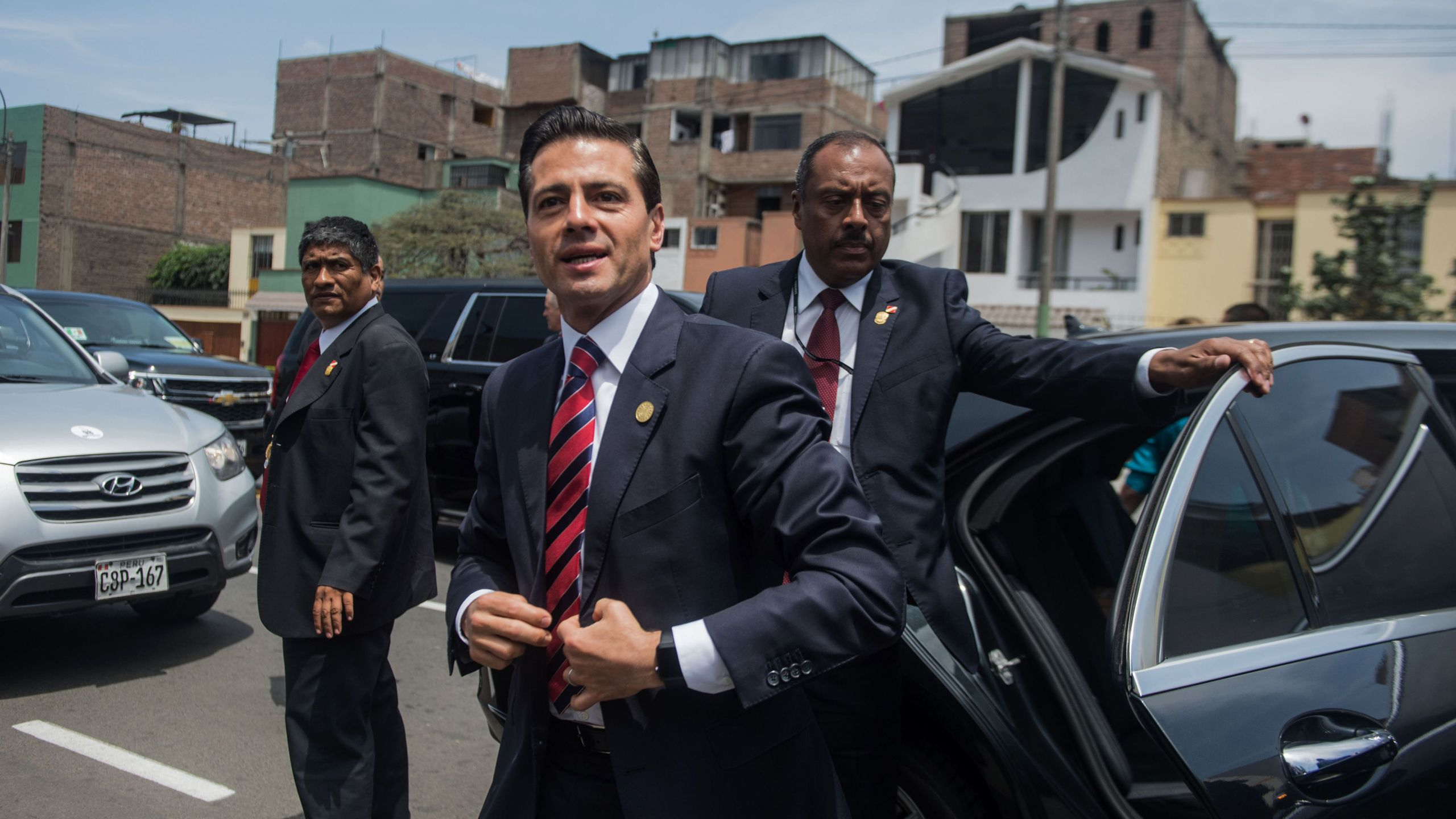 Former Mexican President Enrique Pena Nieto arrives at at a convention in Lima on Nov. 19, 2016. (Credit: Ernesto Benavides/AFP/Getty Images)