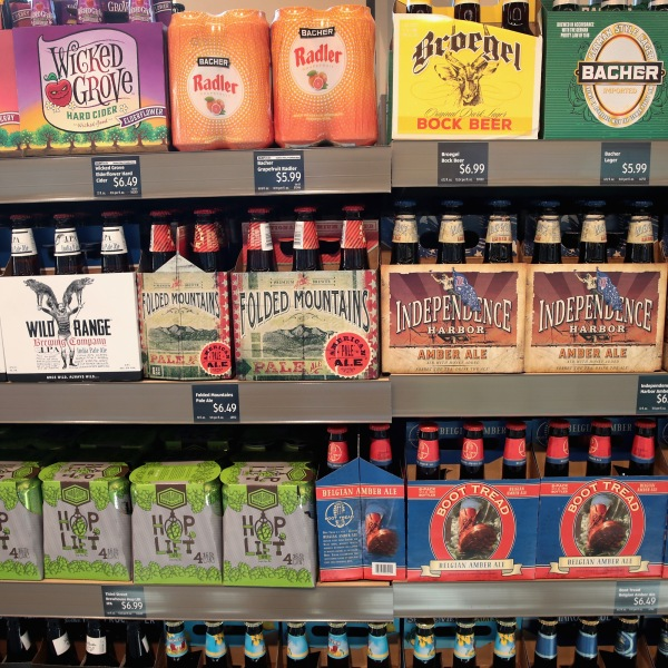 Craft beer is offered for sale at an Aldi grocery store in Chicago on June 12, 2017. (Credit: Scott Olson / Getty Images)