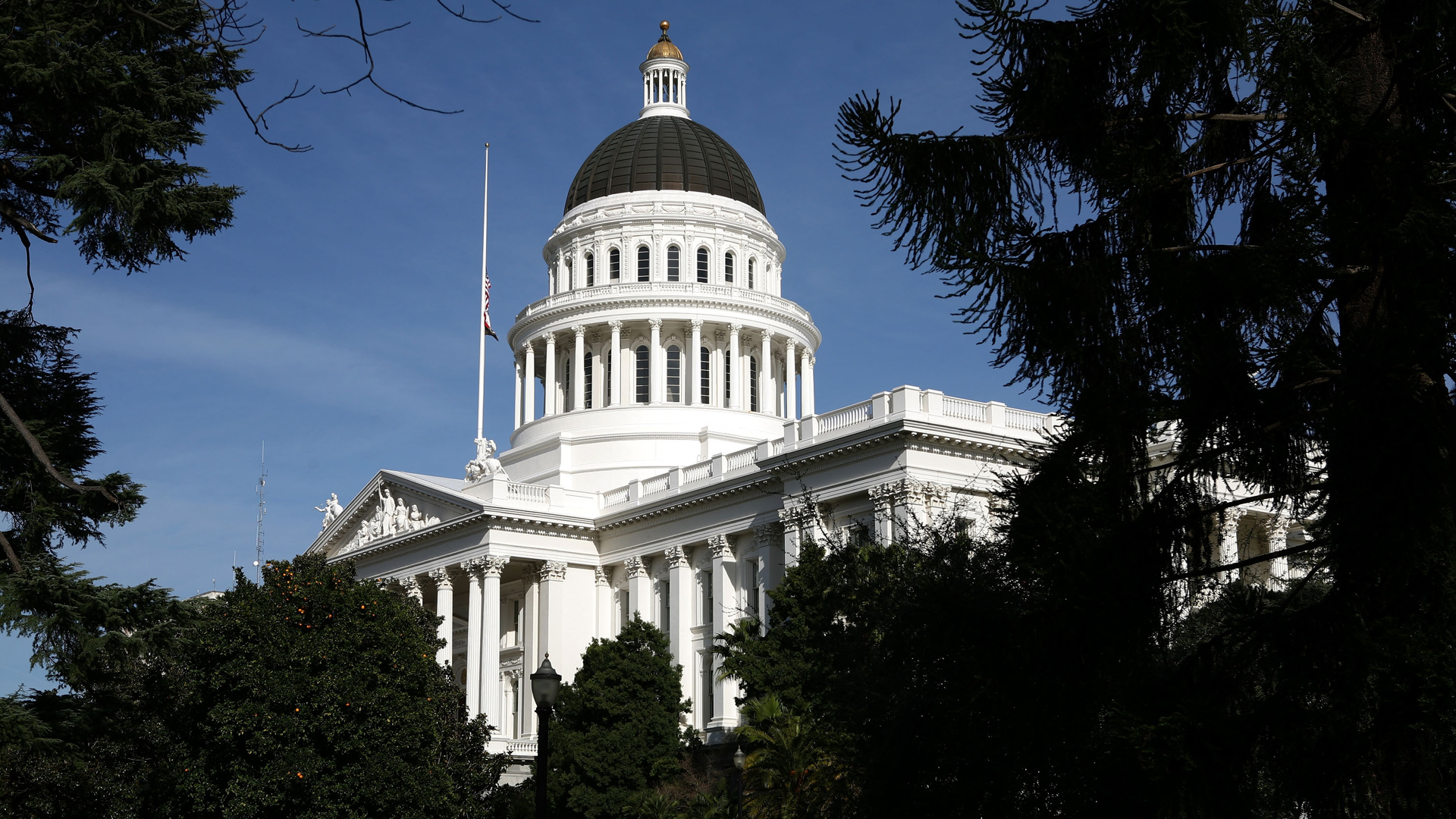The California State Capitol is seen in a photo taken on Feb. 19, 2009, in Sacramento. (Credit: Justin Sullivan/Getty Images)