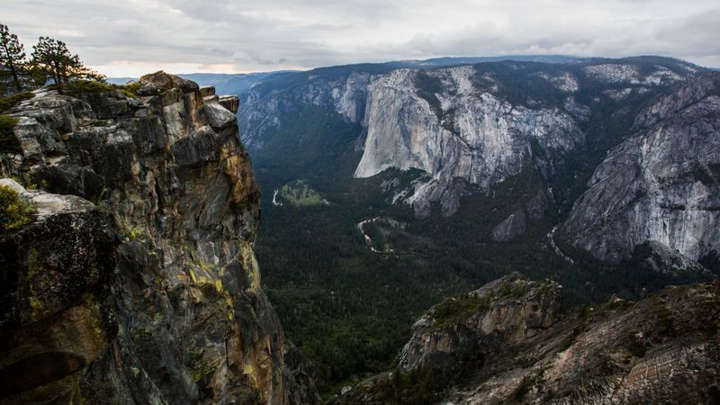 Taft Point in Yosemite National Park is seen in this undated photo. (Credit: Marcus Yam / Los Angeles Times)