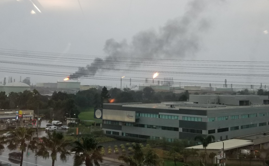 A flare off is seen at a Chevron oil refinery in El Segundo on Jan. 31, 2019. (Credit: @astroprojector2 via Twitter)