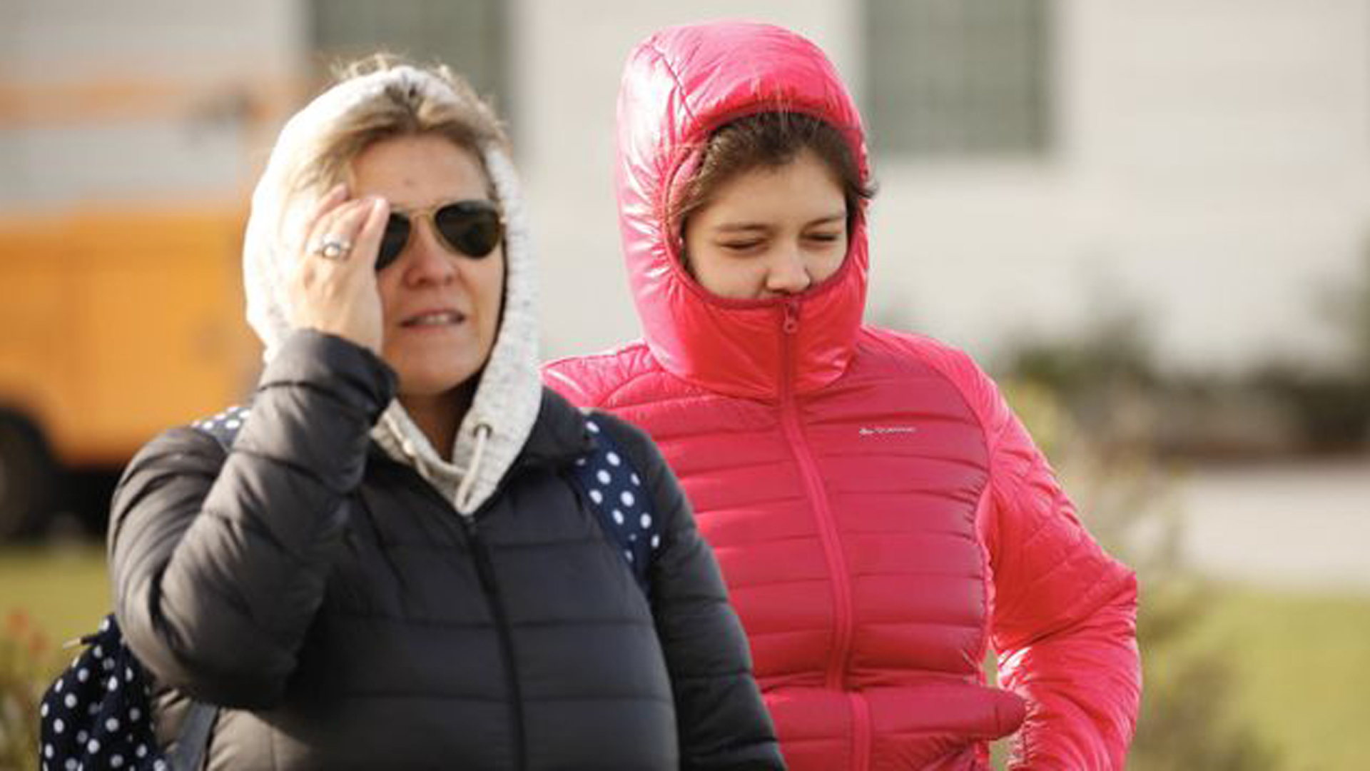 A mother and daughter bundle up for the cold weather at the Griffith Observatory on Feb. 21, 2019. (Credit: Al Seib / Los Angeles Times)
