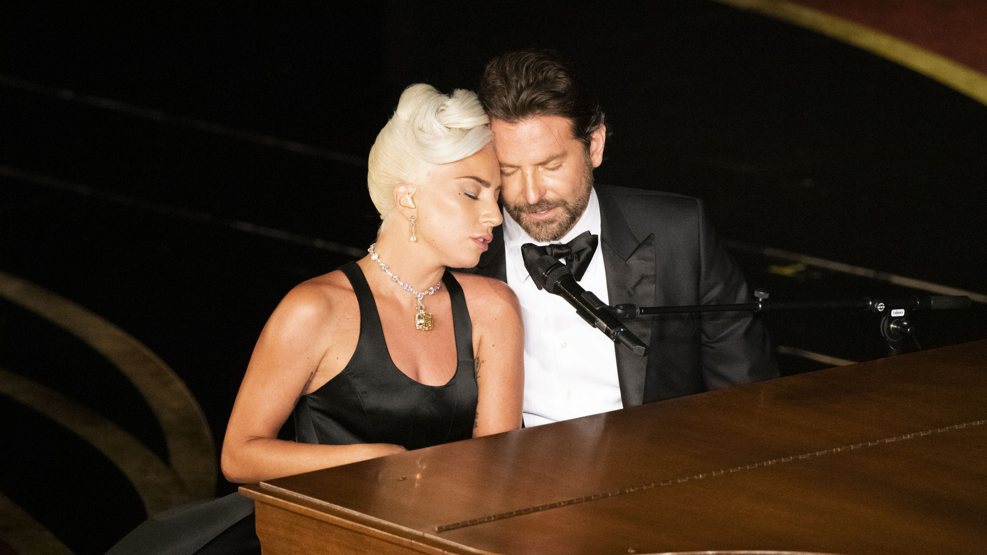 Lady Gaga and Bradley Cooper perform at the Academy Awards on Feb. 24, 2019. (Credit: Ed Herrera via Getty Images)