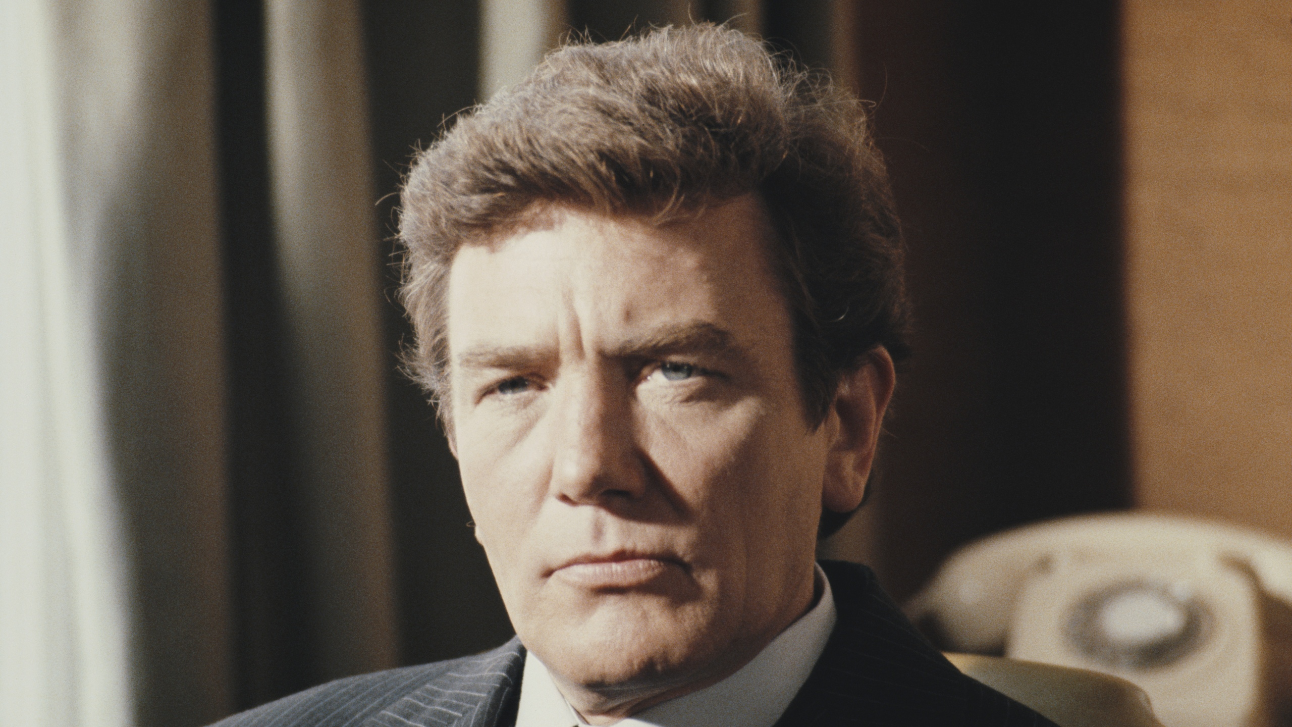 English actor Albert Finney in 1985. (Credit: Fox Photos/Hulton Archive/Getty Images)