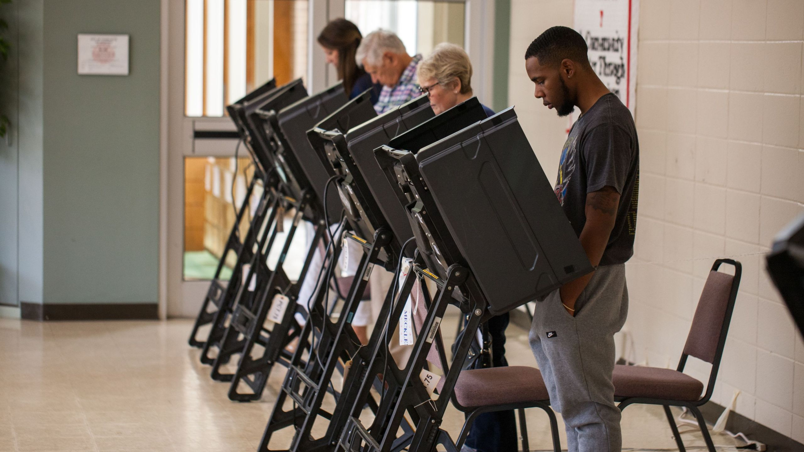 Residents cast their vote in Charlotte, North Carolina on Nov. 6, 2018. (Credit: Logan Cyrus/AFP/Getty Images)