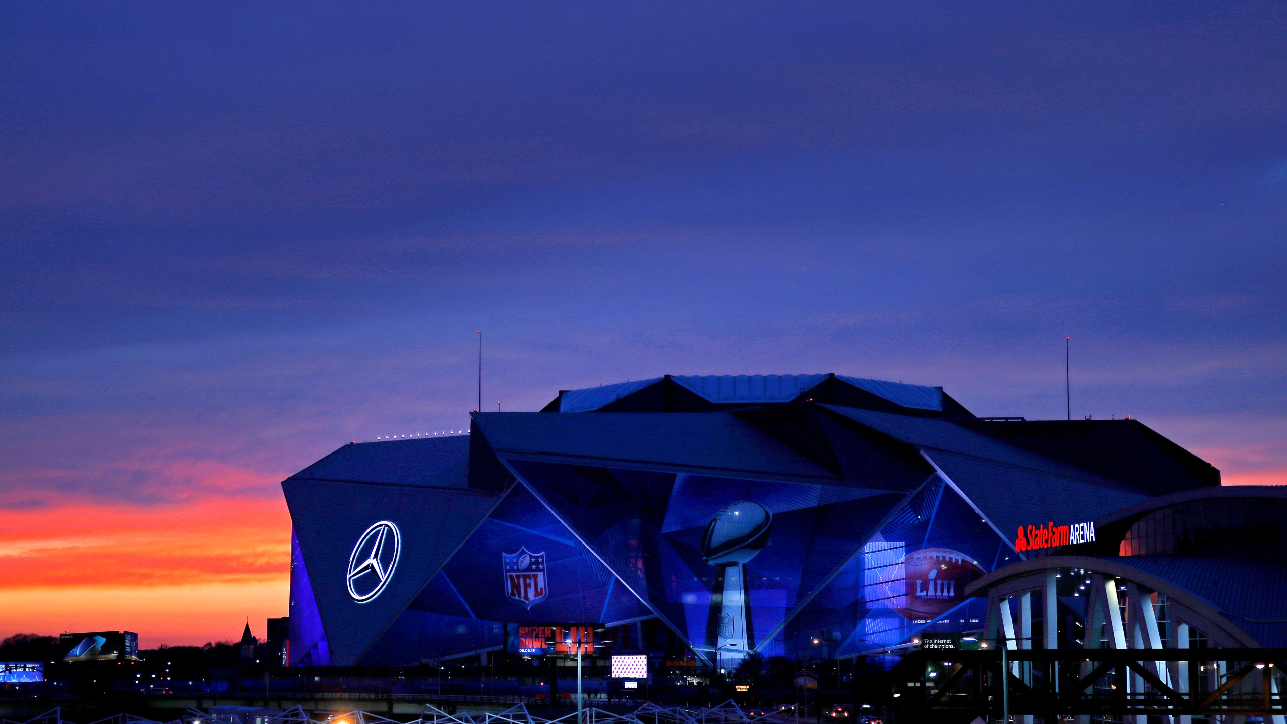 An exterior view of the Mercedes-Benz Stadium is seen on January 27, 2019 in Atlanta, Georgia. (Credit: Justin Heiman/Getty Images)