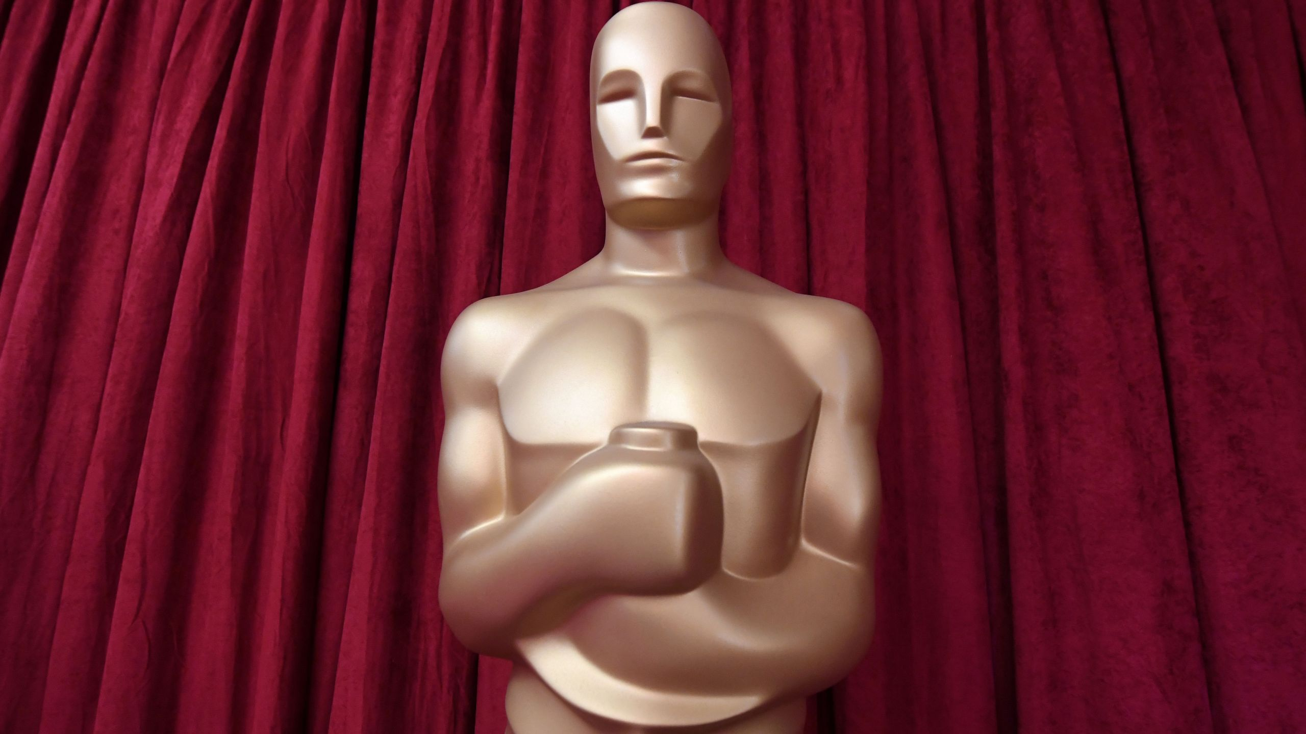 An Oscars statue is seen as preparations are made ahead of the 91st Annual Academy Awards at the Dolby Theatre in Hollywood on Feb. 24, 2019. (Credit: Mark Ralston/AFP/Getty Images)